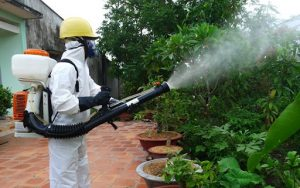 Phun thuốc muỗi có độc hại không