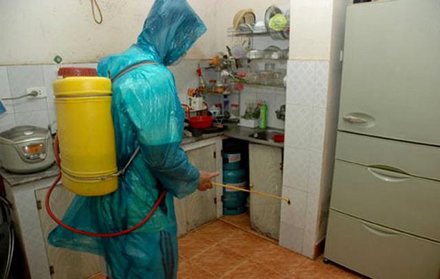 Tự phun thuốc muỗi tại nhà